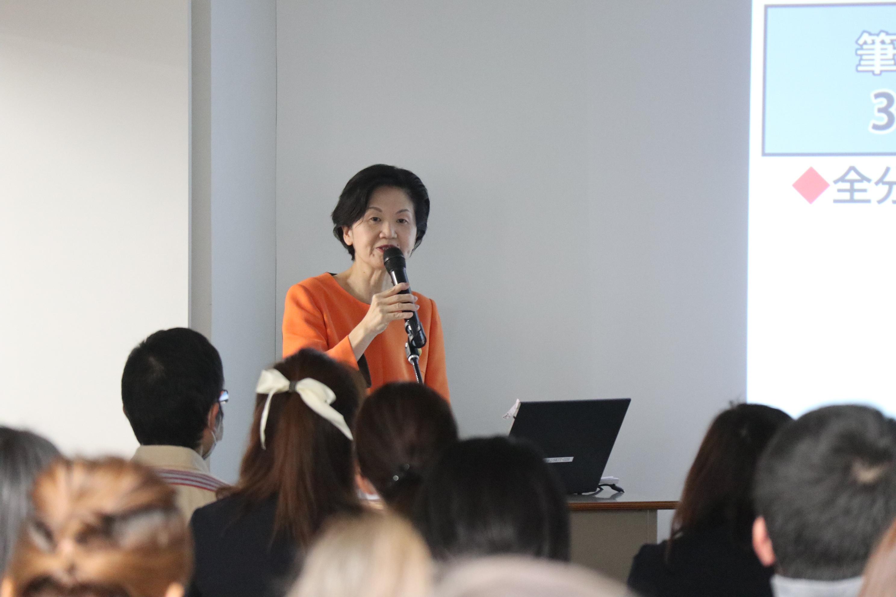エコール・ドゥ・アンファン小学校受験部 統括責任者 田島良乃 講演の様子