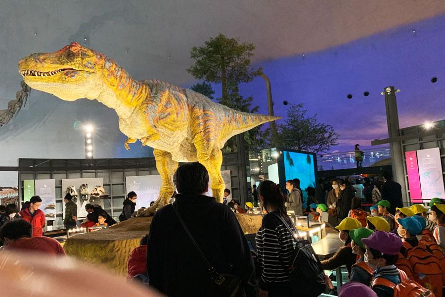 ウィンターダイナソープロジェクト「ティラノサウルス・ロボ」