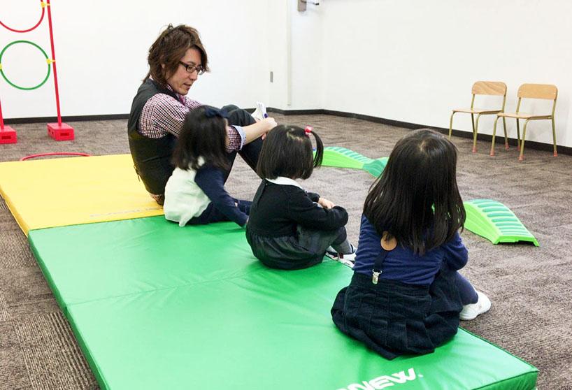 写真「夏の幼稚園受験対策講座 授業の様子」