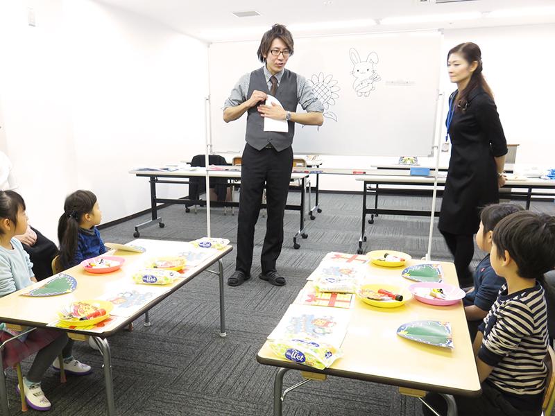 写真「天才脳を育てる絵本講座の様子」