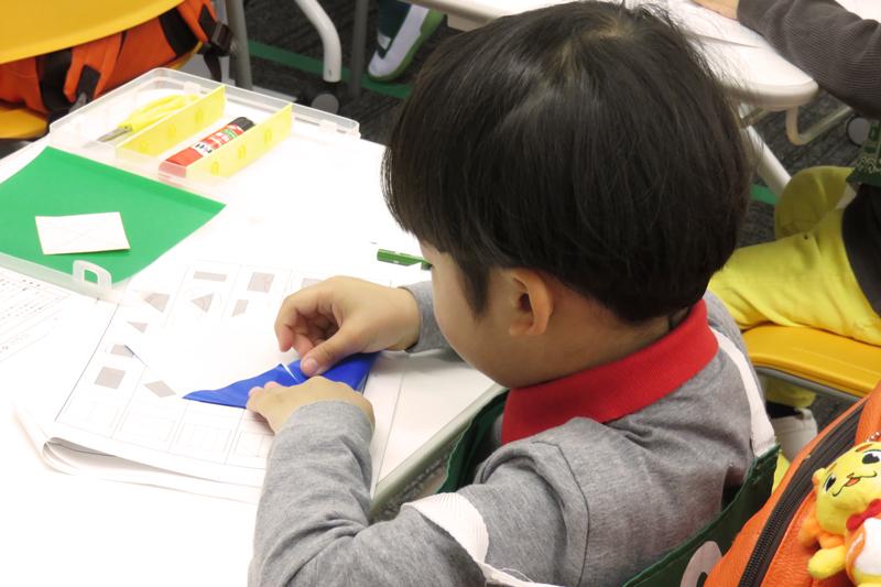折り紙制作の様子
